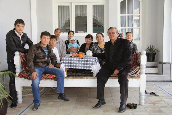 Ouzbékistan, Marghilan, Ferghana, Nabijon, Zafar, tapshan, tapchane, © L. Gigout, 2012