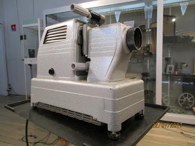 SODISFOM 480-S Mixte pour rouleaux à vues fixes ou diapositives, 1960  (collection musée)