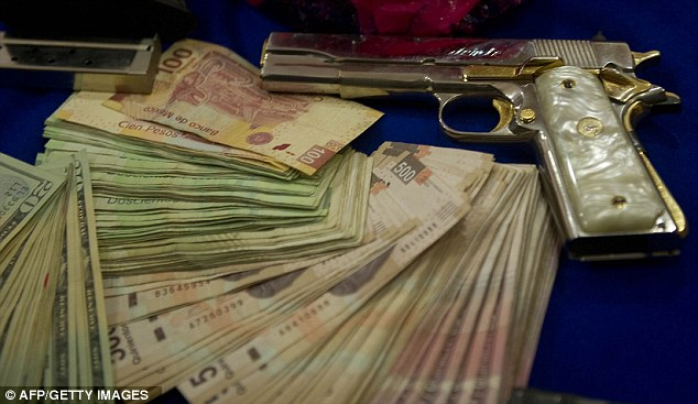 Borderland Beat: The man with the golden gun: Mexican gangster