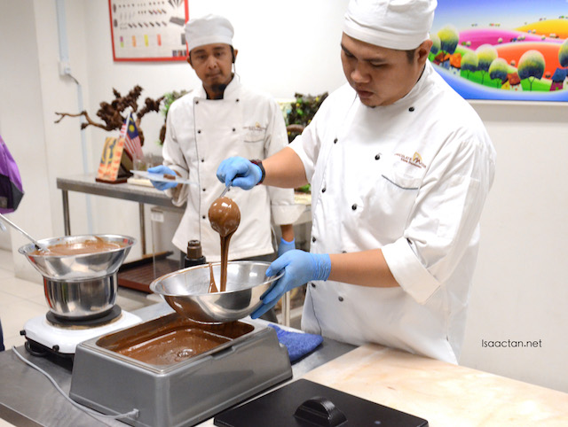 Live demonstration of hand-made chocolates by in-house chocolatiers