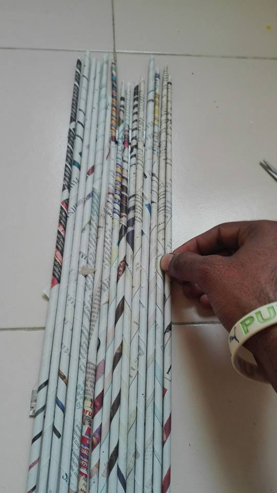 How to make newspaper wall art - Crazzy Craft