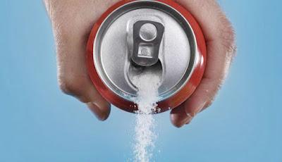 Minuman ringan penuh gula