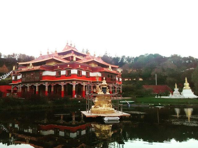 Lérab Ling - Centre de retraite bouddhiste tibétain - temple bouddhiste - Lodève - Montpellier