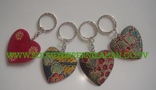 Souvenir Pernikahan Gantungan Kunci Batik Jogjakarta 4