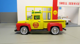 GreenLight Shell  Ford pickup truck