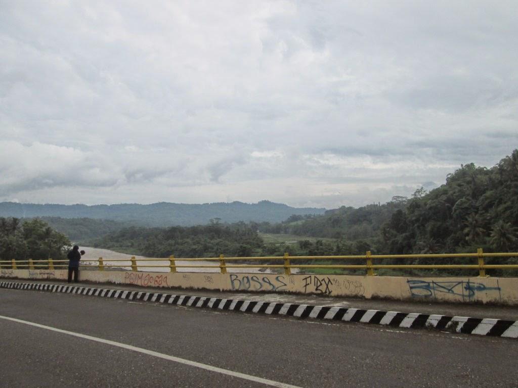 Perjalanan ke Puncak Suroloyo
