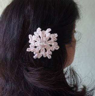 Free crochet snowflake motif pattern, free crochet snowflake hair clip pattern