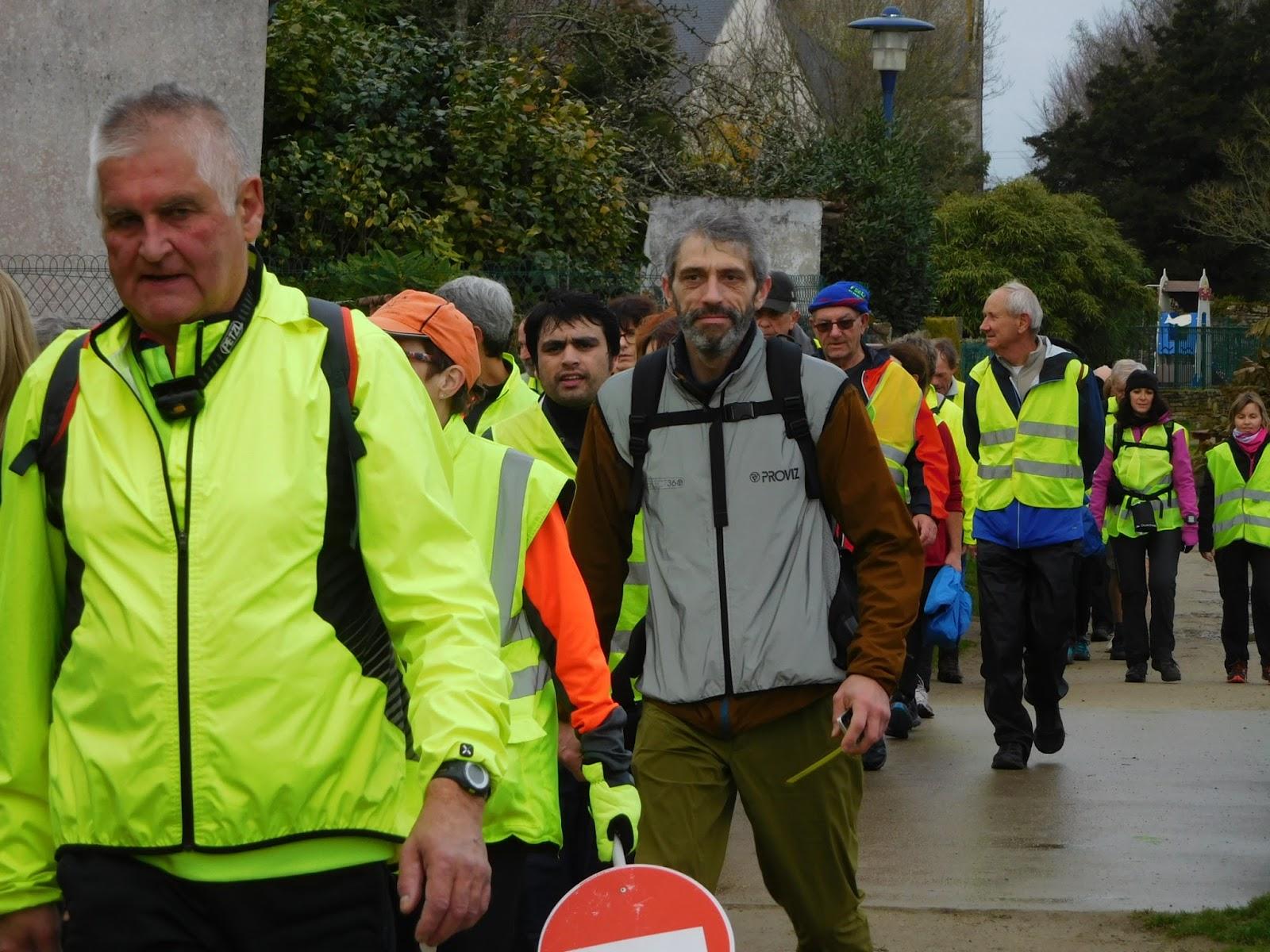 Marcheurs des quatre saisons rosporden m4sr 25 km du for Zora dujardin