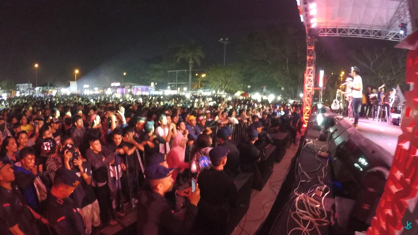 Suasana Konser Band Naif 07 November 2015