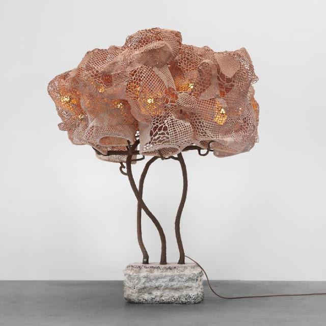 Новости дизайна. Начо Карбонелл представил в Париже гигантские Кокон лампы