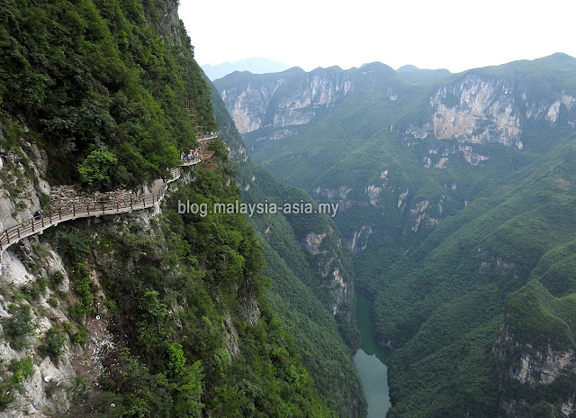 Yunyang Glass Cliff Walk