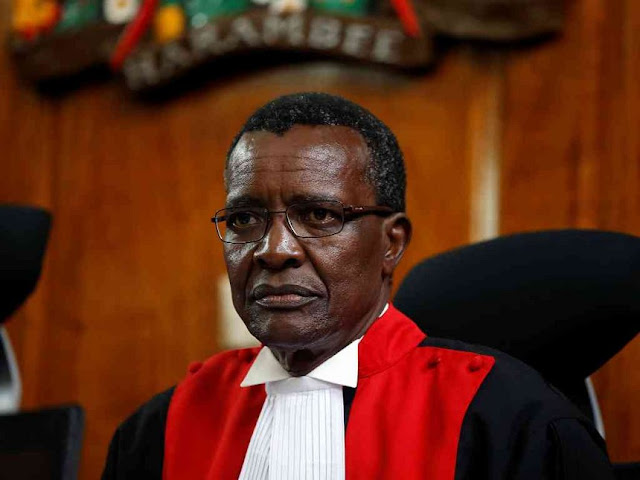 Crying Maraga Roasted Online, Uhuru Says: Get Used To It #JudiciaryMassageParlour