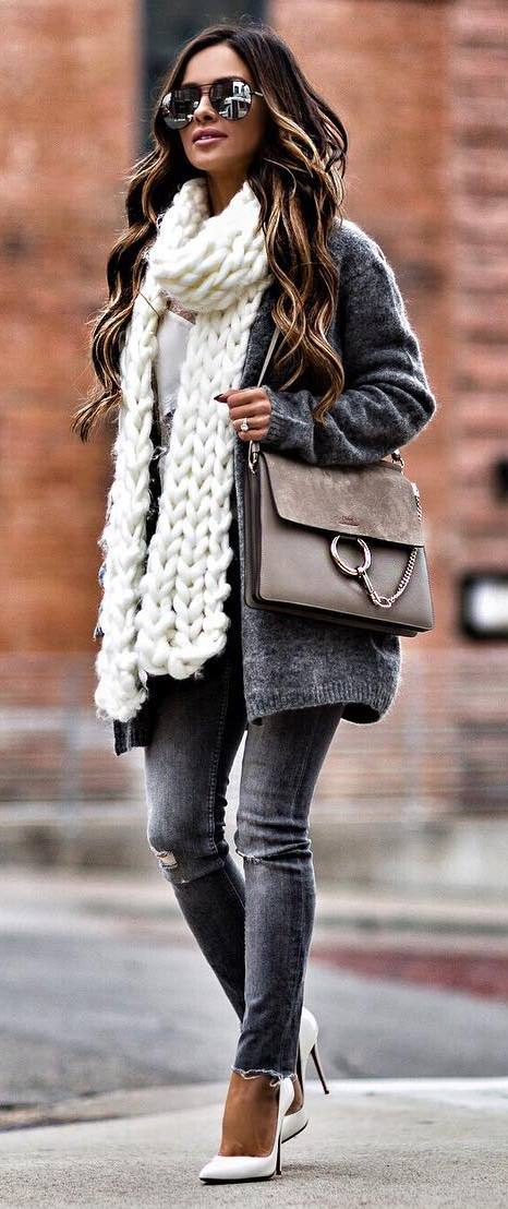 winter fashion trends / grey cardigan + bag + white knit scarf + skinny jeans + heels