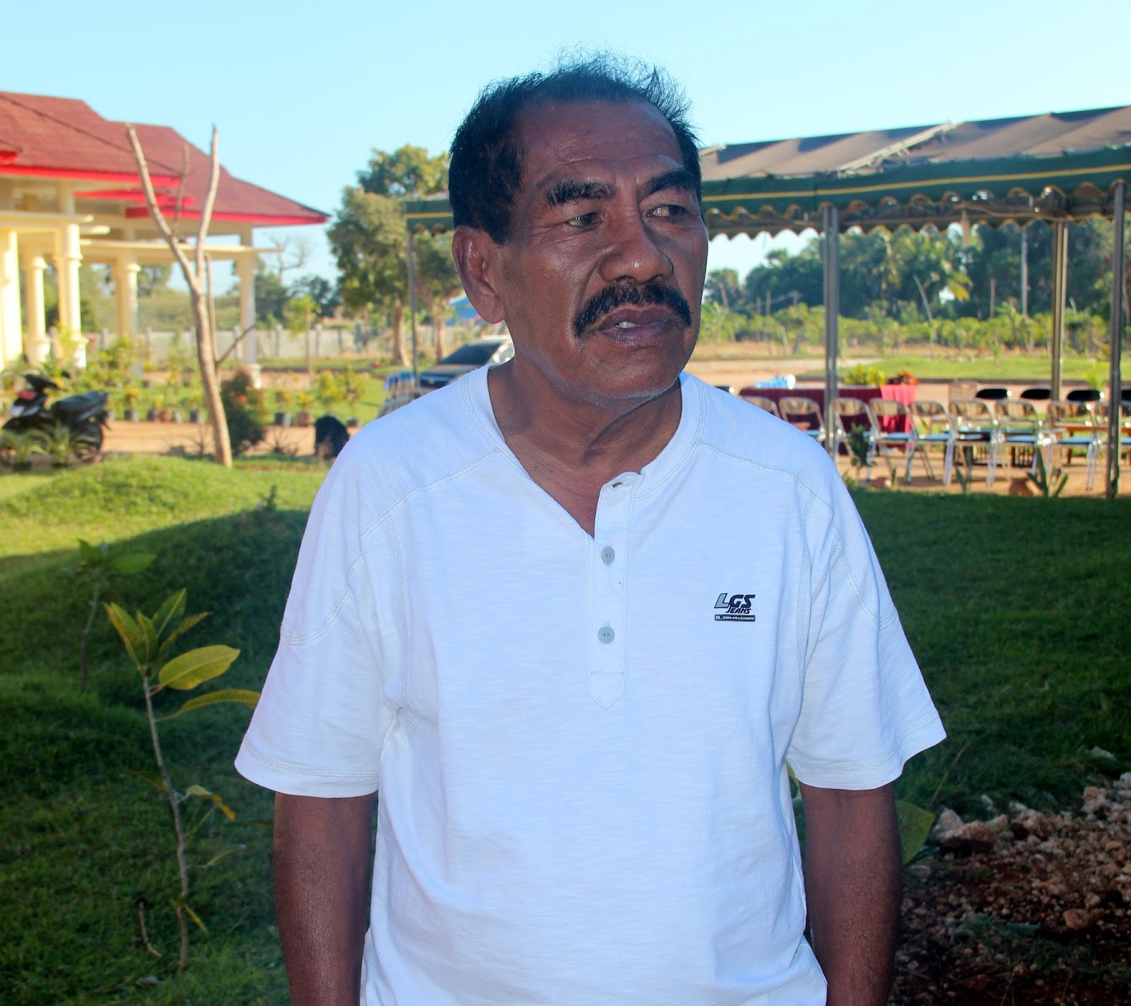 Indonesia Now With Duncan Graham Gallant Retiring Daring The Tendencies Tshirt Fast Runner Putih L Sama Bajo
