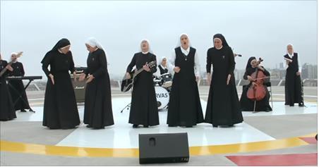 Grupo de rock formado por freiras que já fez show para o papa