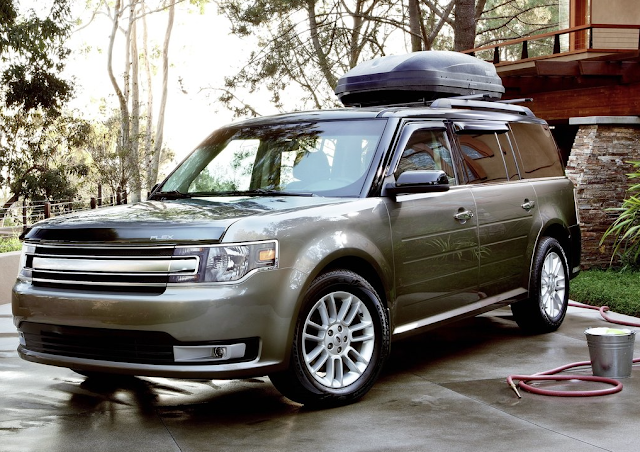 2013 Ford Flex cargo roof carrier