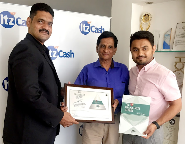 R to L Bhavik Vasa, Chief Growth Officer, ItzCash, Devesh Pandya, Chief