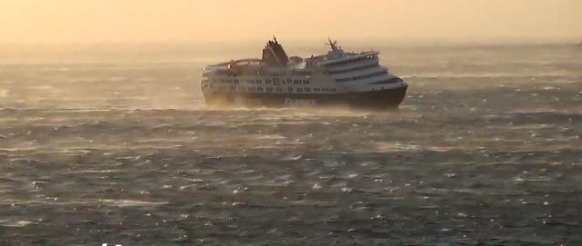 """[Ελλάδα] Τα 10 μποφόρ στο Αιγαίο και οι """"μάχες"""" των  πλοίων με τα κύματα![βίντεο]"""