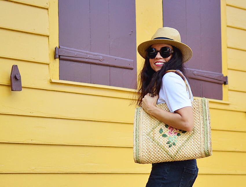 Straw bag street style