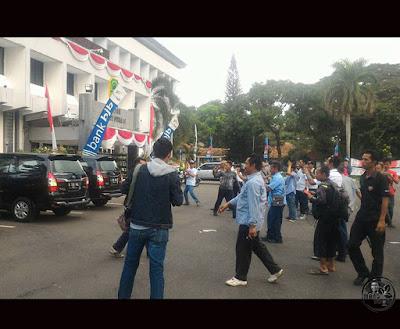 KPK geledah Kantor Bupati Subang, Ojang Sohandi