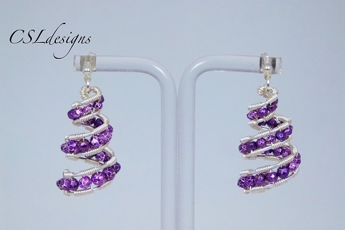f375aa805dc55b Spiral Wire Wrapped Christmas Tree Earrings Tutorial - The Beading ...