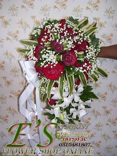 hand buket anggrek dan mawar merah
