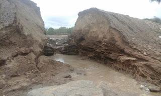 Chuva forte causa rompimento de açude em Pedra Lavrada