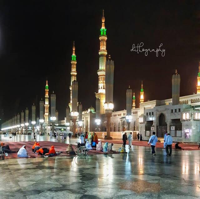 Masjid Nabawi di Madinah al Munawarah