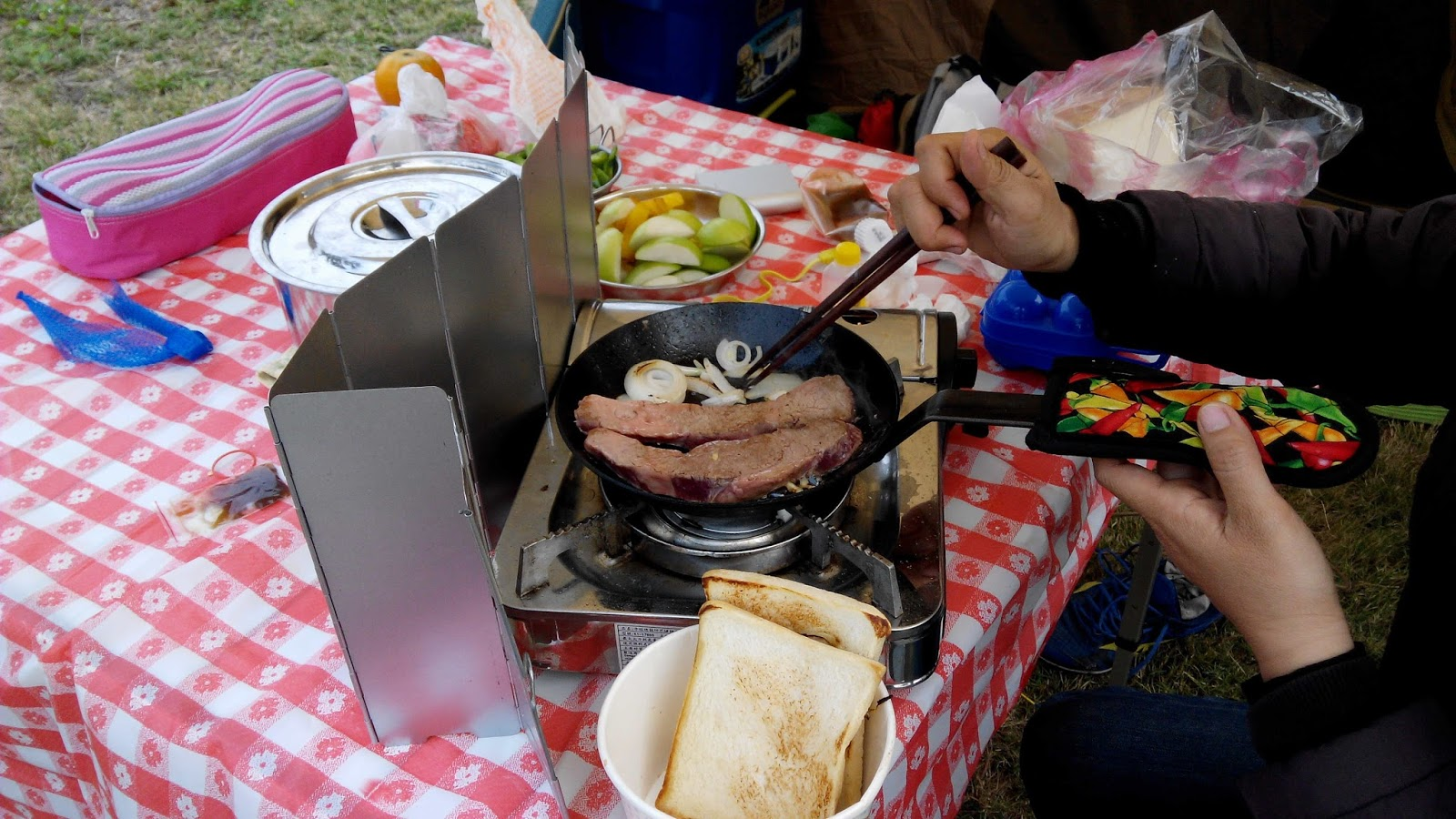 Amazon Kitchen Table Backsplash Tile Lowes 露營裝備980h蛋捲桌 談談家庭露營中行動廚房的必要性 W 全家