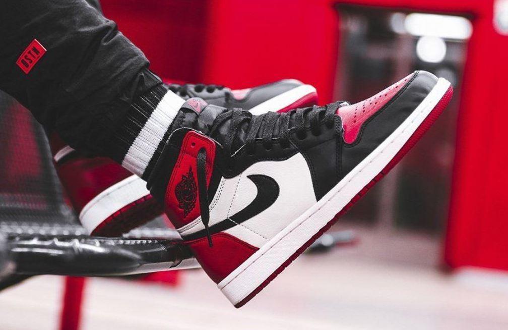 03998d78028857 Air Jordan 1  Bred Toe  Retro Sneaker (Super Detailed Look + Release Date  Info)