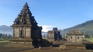 Pesona Empat Candi Ini Tak Kalah Dari Borobudur dan Prambanan 71