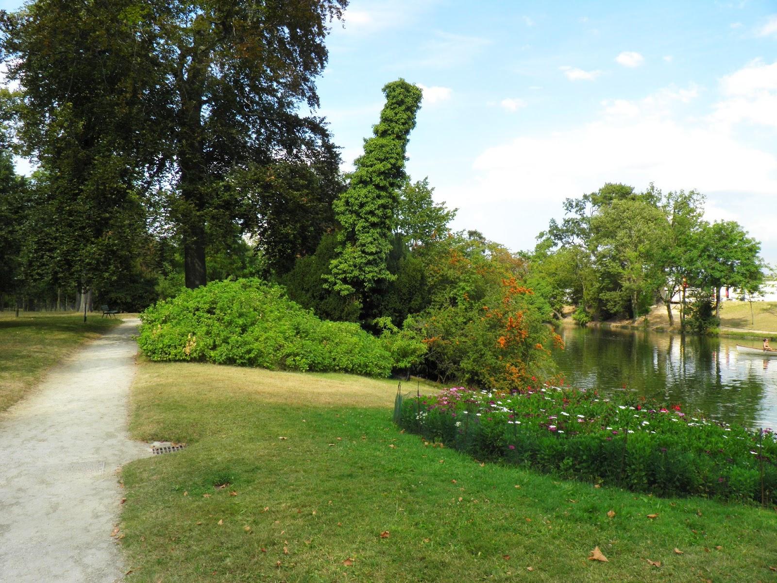 le chalet des îles lac inferieur du bois de boulogne 75016 paris  ~ Grand Hotel Bois De Boulogne