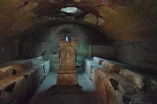 passeios subterraneos Mitreu Sao Clemente Roma - Subterrâneos de Roma
