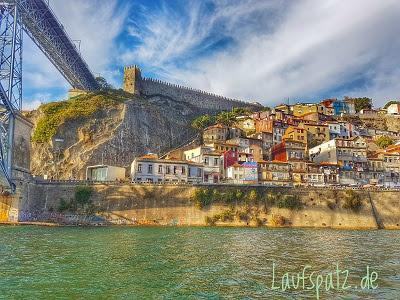 Porto Marathon 2017 Blick auf die Stadt vom Wasser aus maratona do porto