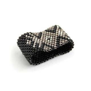 купить женские кольца 17 размера стильные кольца купить изделия из бисера