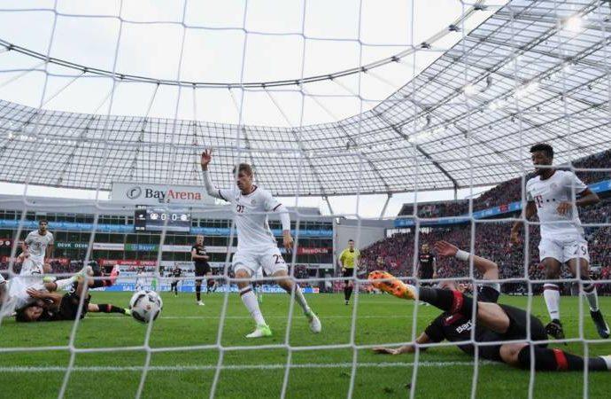 Bayern Munich fail to break down 10-man Bayer Leverkusen in draw