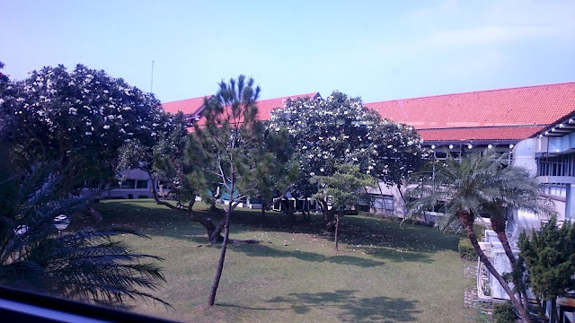 Garden Waiting Lounge Sukarno Hatta Airport - Image: Author