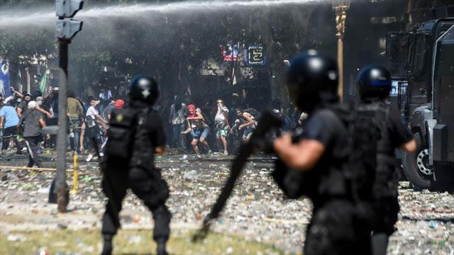 Venezuela condena 'represión y arremetida neoliberal' en Argentina