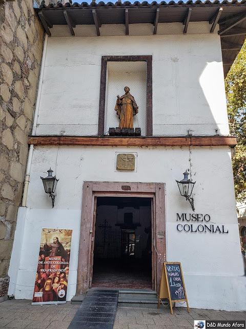 Fachada do Museu Colonial São Francisco - o que fazer em Santiago
