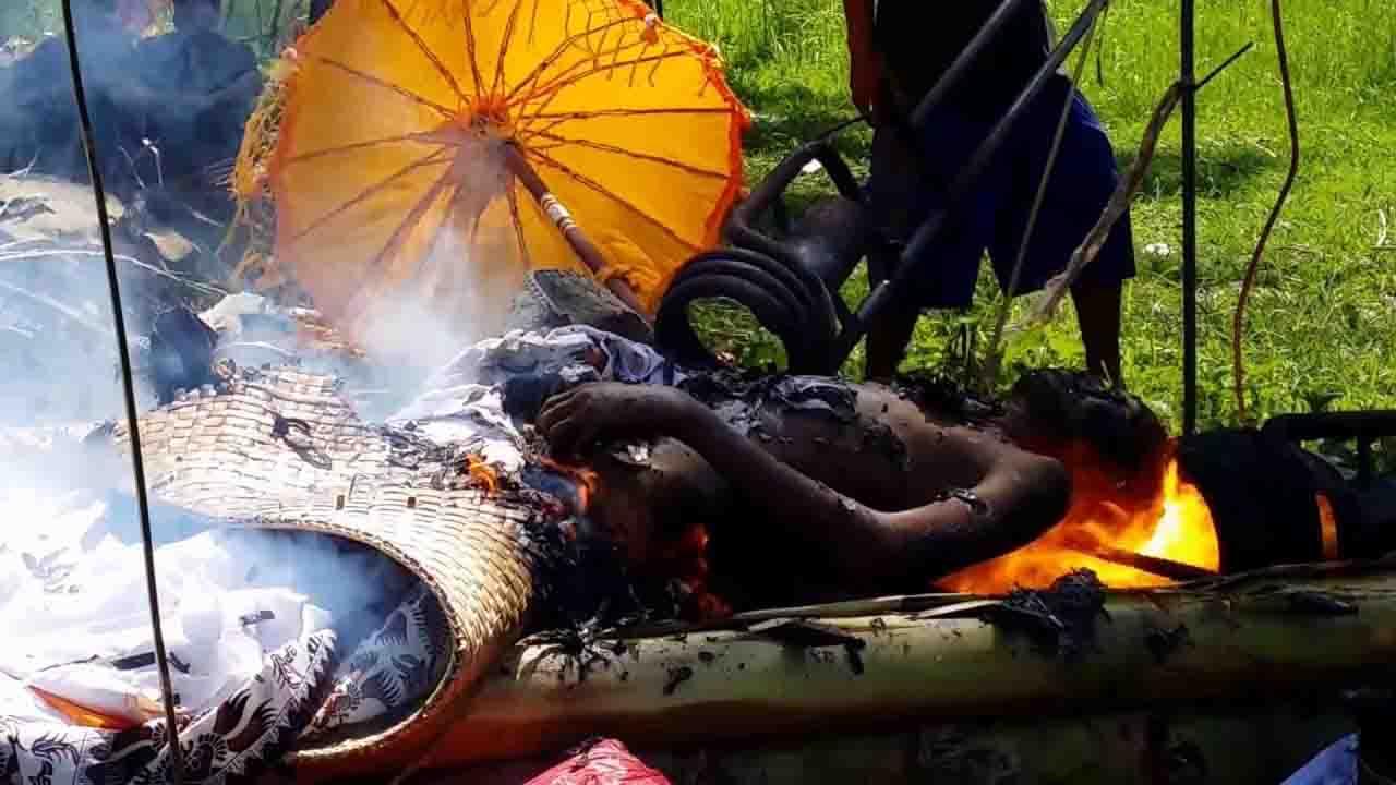 Upacara Ngaben Tradisi Pembakaran Jenazah di Bali