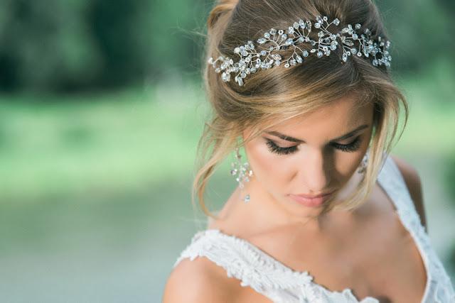 Biżuteryjna opaska ślubna z kryształkami