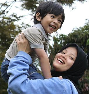Berkenalan Dengan Fauzia Subhan Ibu Muda Yang Multitalenta