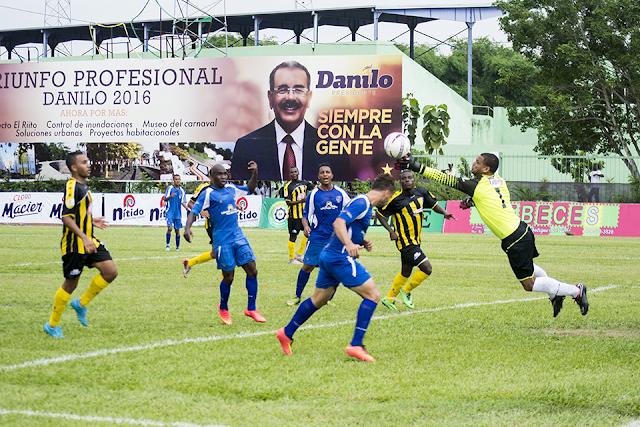 Doblete de Cuica da tercera victoria a Moca FC