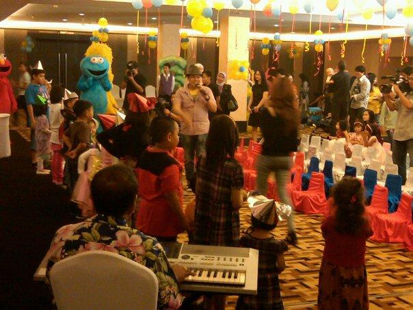 MC event Birthday (Ultah) Mengisi acara beserta games & permainan interaktif