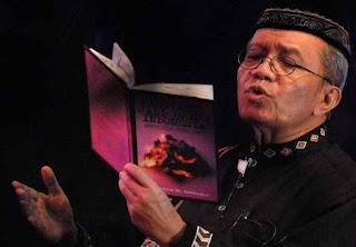 Puisi Taufik Ismail : Kembalikan Indonesia Padaku