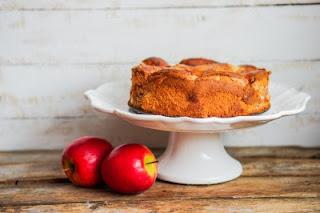 Obuolių pyrago su migdolų įdaru receptas