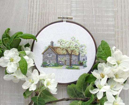 Derwentwater, вышивка, Dartmoor Cottage