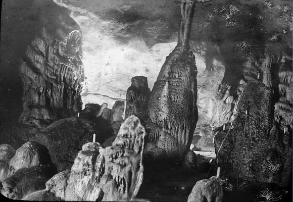 Vista-da-caverna-de-Gargas-antes-de-1908