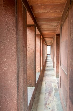 Outer corridor of Aankh Micholi Mahal