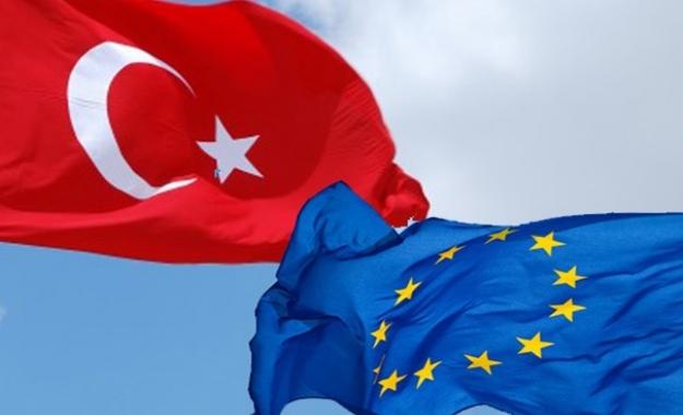 Σκληρό μπρα-ντε-φέρ μεταξύ Ε.Ε. - Τουρκίας για το προσφυγικό